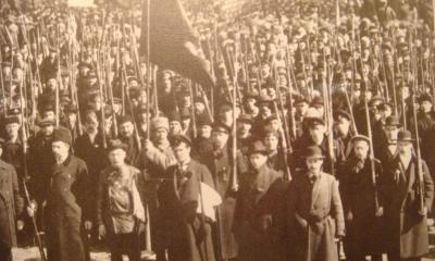 First Red Guards in Petrograd fall 1917 cropped